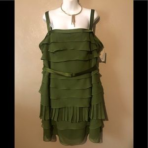 Vera Wang stunning evening dress olive green sz 20